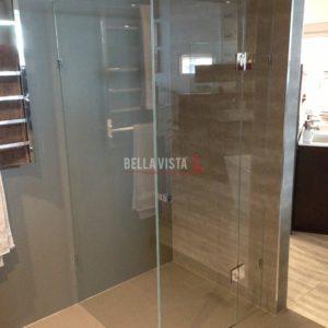 Frameless Crystal Clear Shower Screen